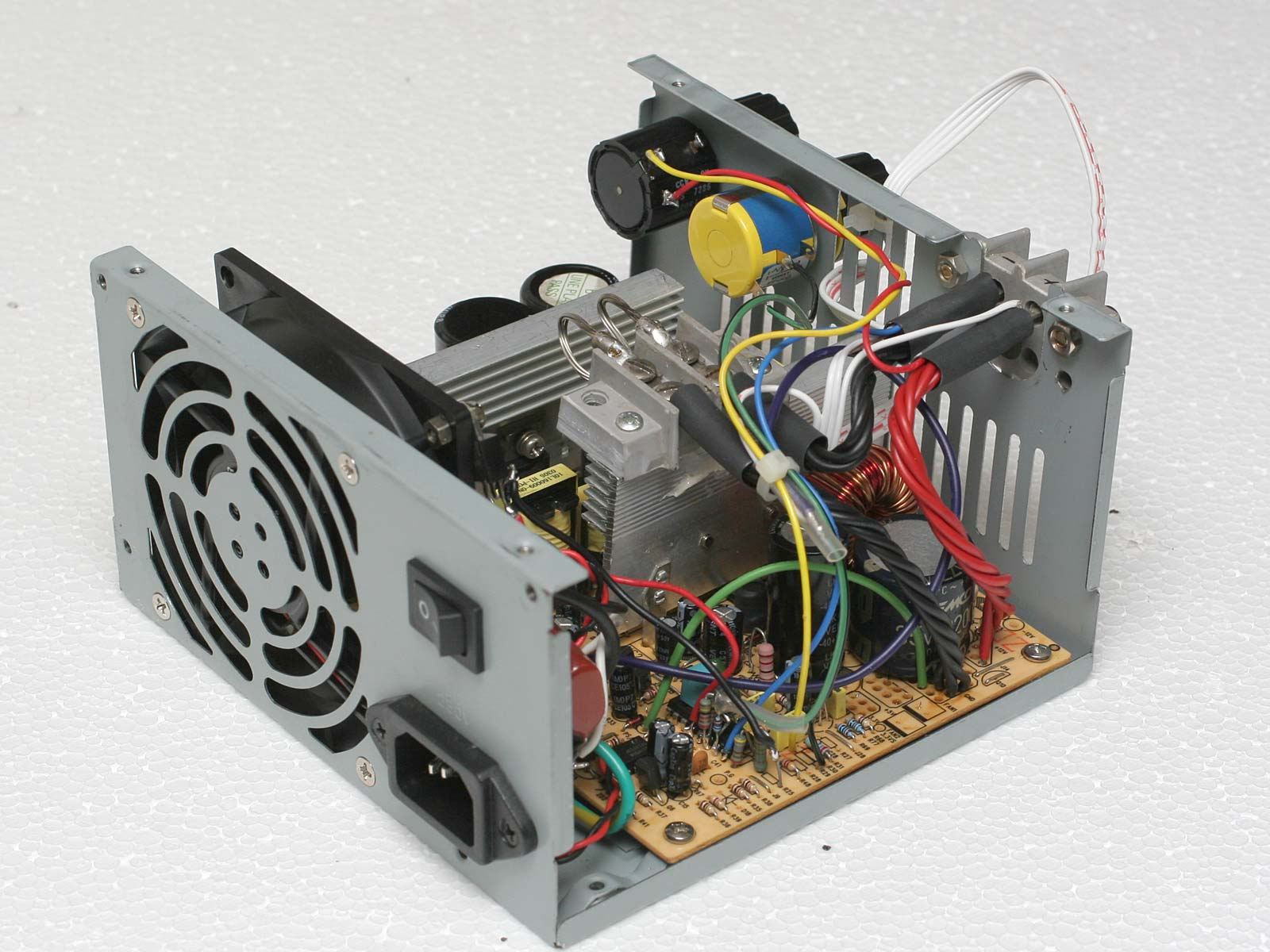 Schema Elettrico Alimentatore Pc Atx : Switching power supply atx come realizzare un sps da laboratorio